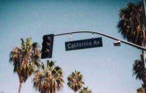 ロサンゼルス レンタカー おすすめ