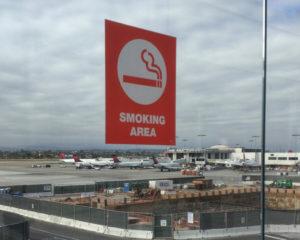 ロサンゼルス空港 喫煙 場所