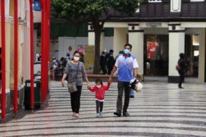 若い人 コロナウイルス  感染 死亡