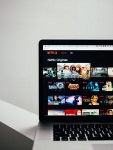 おうち時間 過ごし方 自粛生活 ネットフリックス Netflix